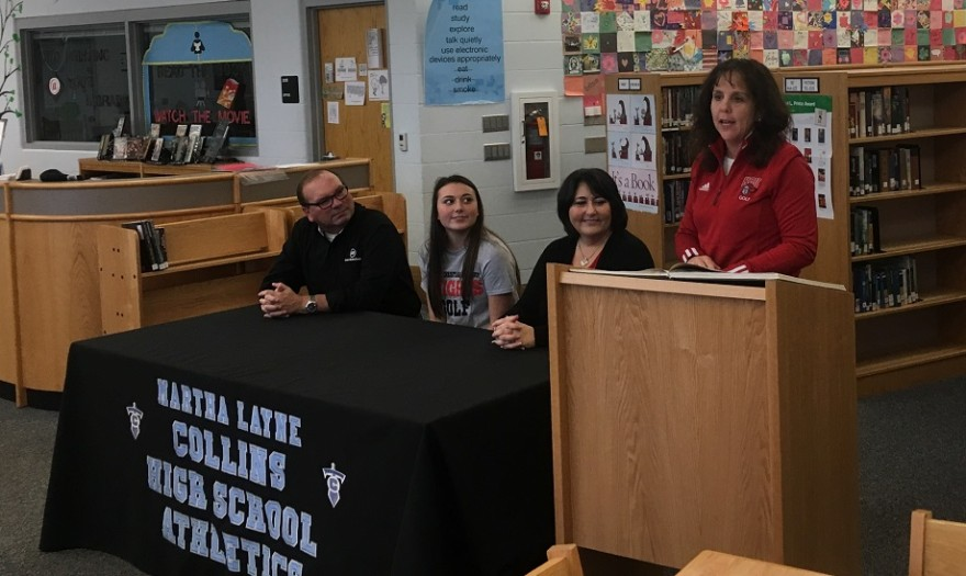 Photo for Webb Signs with Lady Knights Golf